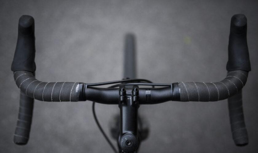 closeup-sports-bicycle-s-front-set-handles-shot-black-white